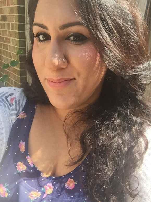 Sarah Khan-Williamson Headshot